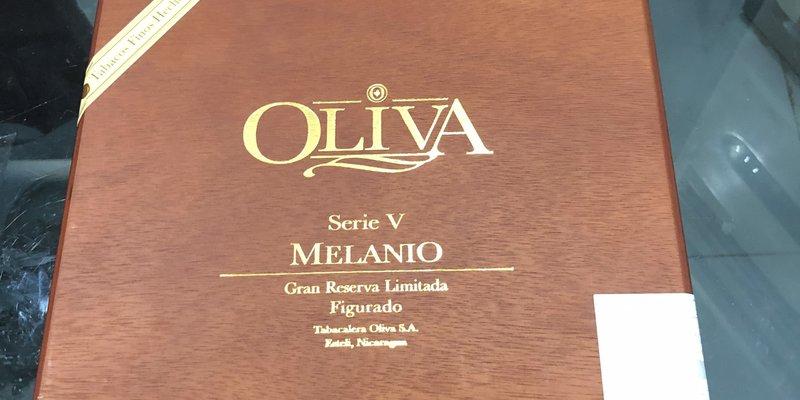 Mua xì gà Oliva Serie V Melanio chính hãng giá rẻ ở đâu hà nội,TPHCM ?