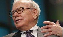 Warren Buffett muốn kiếm thật nhiều tiền nhờ một điếu xì gà
