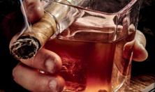 Hút xì gà nên uống với loại rượu gì?