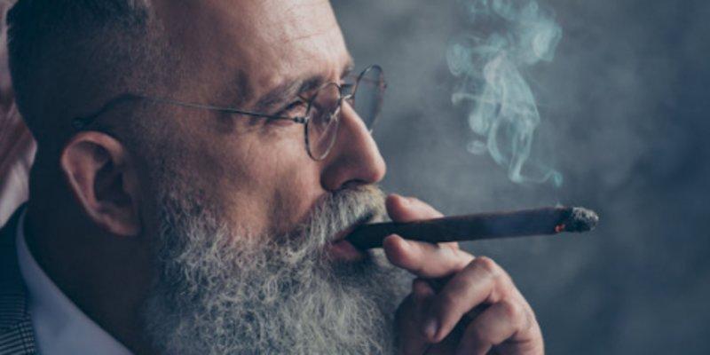 5 nhân vật nổi tiếng thế giới cùng với điếu xì gà