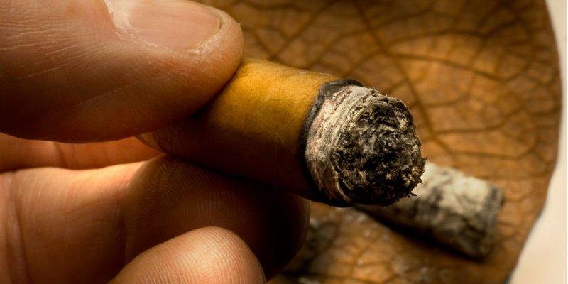 Có giới hạn nào để bạn có thể hút xì gà trong bao lâu?