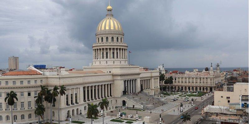 Tổng thống Trump siết chặt trừng phạt Cuba – Không xì gà, không rượu rum và không nhà nghỉ khách sạn cho người Mỹ