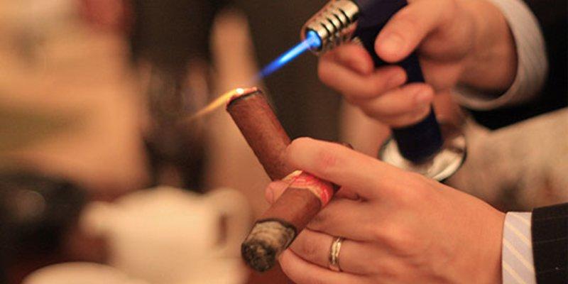 Hút xì gà có lợi gì cho sức khỏe? - Choixiga.vn