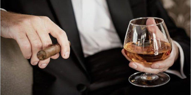Nghệ thuật phối hợp rượu vang với xì gà