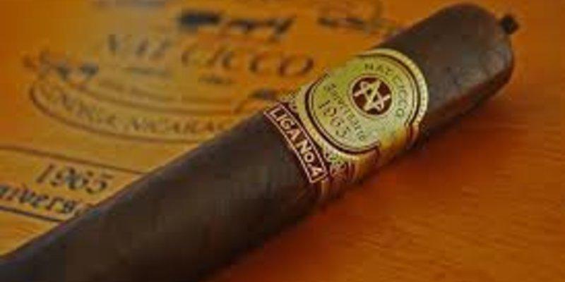 Sự kiện Big Smoke Sunday 2014: Bữa sáng lý tưởng dành cho những người yêu thích xì gà