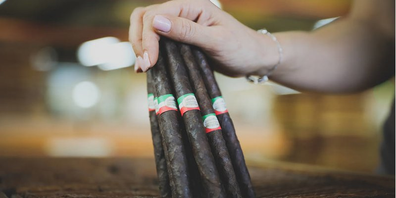 Xì gà Toscano được phân phối tại quê nhà