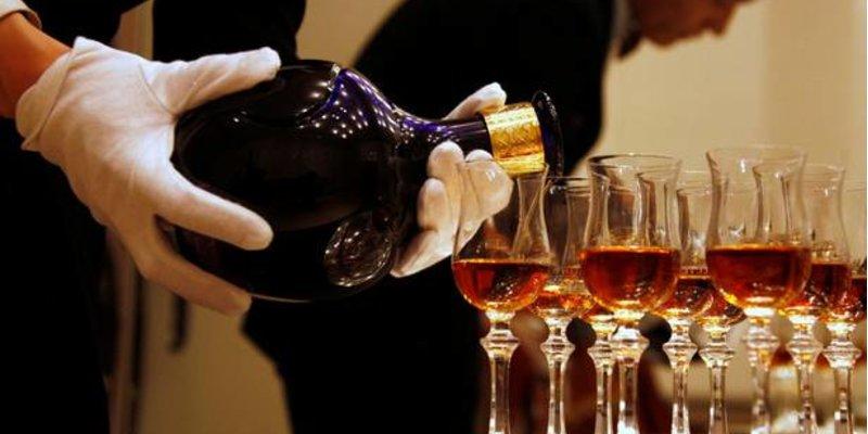 Cách phát hiện Rượu Scotch Whisky giả mà không cần mở nắp chai