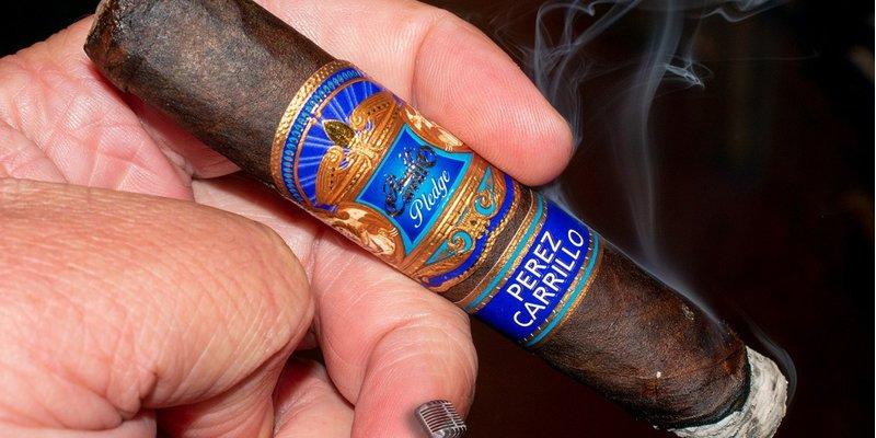 Đánh giá xì gà EP Carrillo Pledge Prequel