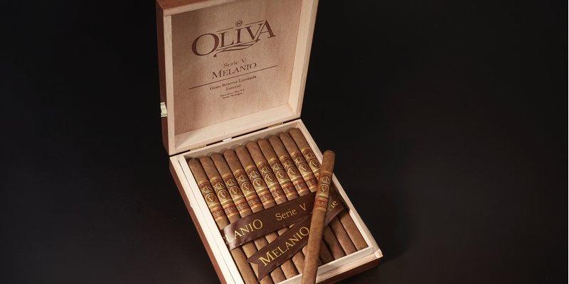 Xì gà OLIVA SERIE V MELANIO LANCERO sẽ bán vào tuần tới