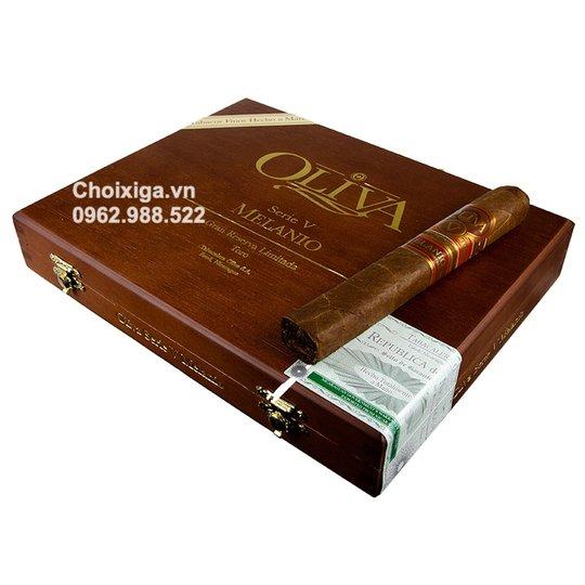 Xì gà Oliva Serie V Melanio Toro - Hộp 10 điếu