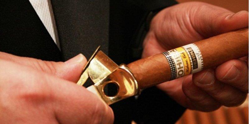 Hướng dẫn cách hút xì gà không hại cho sức khỏe